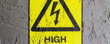 A high voltage sign
